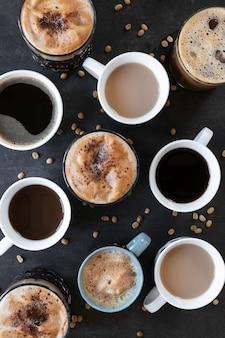 Tasses de café sur la table