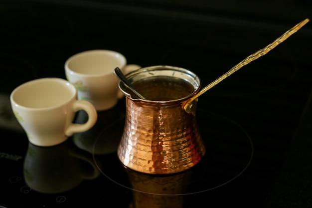 Tasses à café turc et dinde
