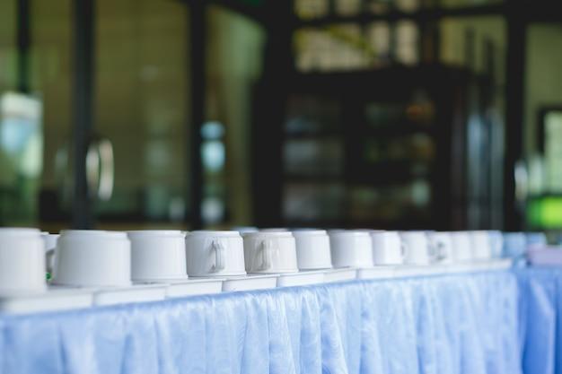 Tasses vides pour une pause café