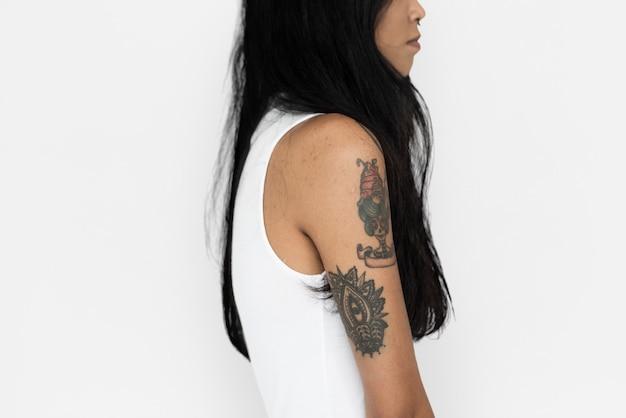 Tatouage de femme asiatique