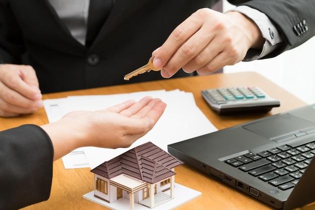 Taux d'intérêt sur les prêts immobiliers à la banque