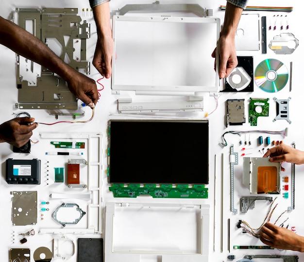 Technicien en électronique