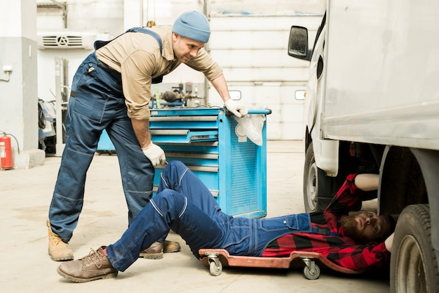 Techniciens, réparation, camion