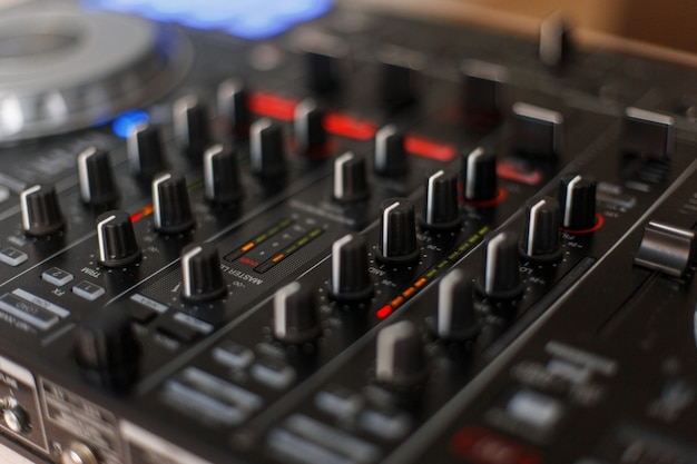 Technologie audio. contrôleur de mixage dj