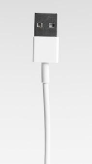 Technologie informatique et connexion par câble usb
