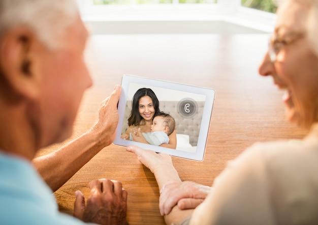 Technologie mâle espace personnes âgées copie graphique