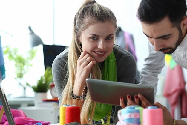 Technologie moderne créative dans le service de couture