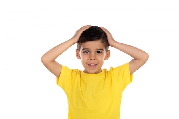Tee-shirt enfant surpris avec jaune