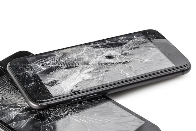 Téléphone portable avec écran cassé