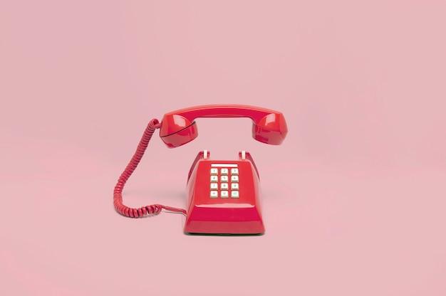 Téléphone rose rétro