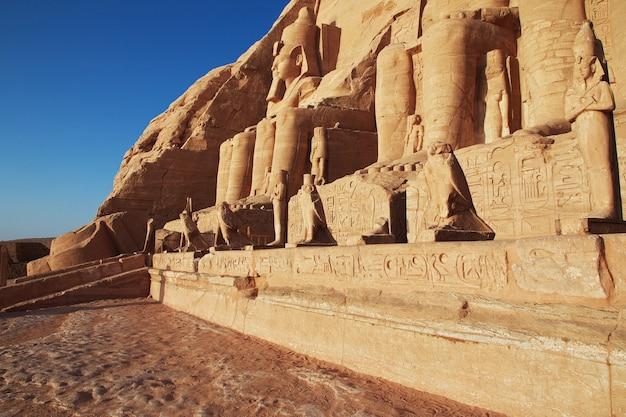 Temple à abou simbel, egypte
