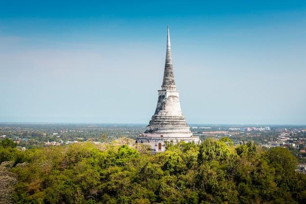 Temple au sommet de la montagne