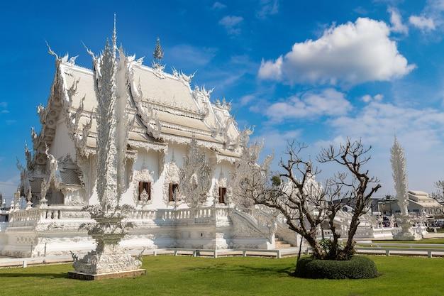 Temple blanc (wat rong khun) à chiang rai, thaïlande