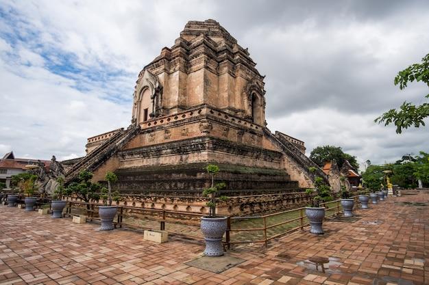 Temple chedi luang chiang mai