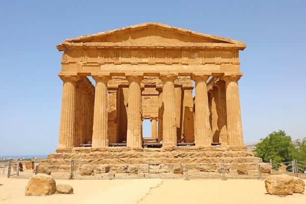 Temple de la concorde, vallée des temples, agrigente, sicile, italie