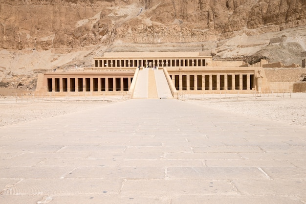 Le temple d'hatchepsout près de louxor en egypte