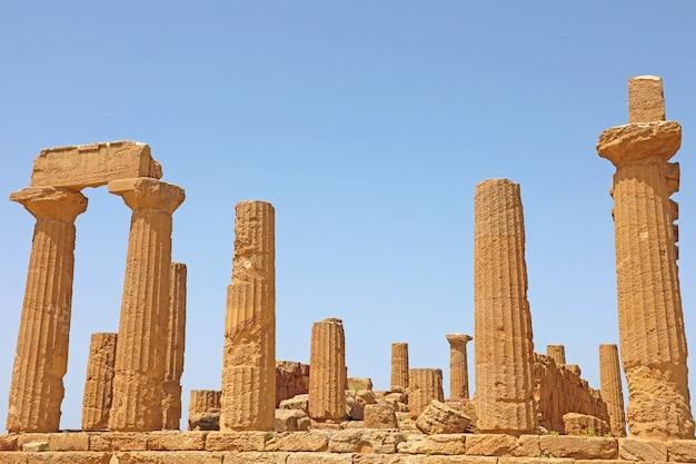 Temple de junon (héra) dans la vallée des temples, agrigente, sicile, italie