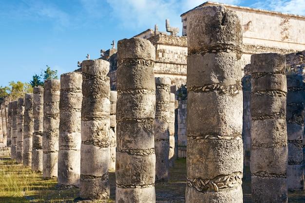 Temple de mille colonnes de chichen itza