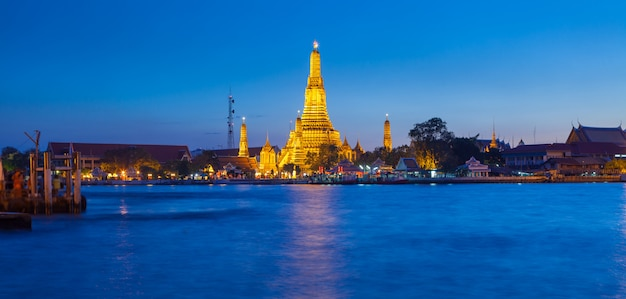 Temple wat arun à bangkok en thaïlande
