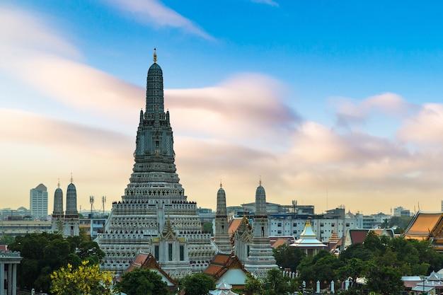 Temple wat arun à bangkok, thaïlande