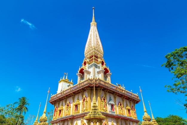 Temple wat chalong à phuket en thaïlande