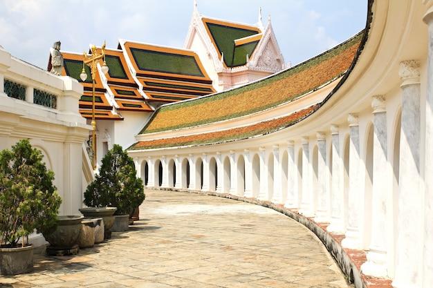Temple wat phra pathom jedi