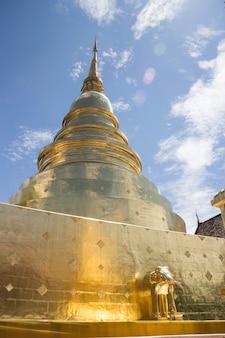 Temple wat phra singh à chang mai, thaïlande
