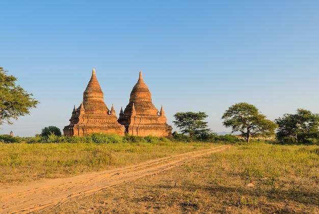Temples antiques à bagan, myanmar