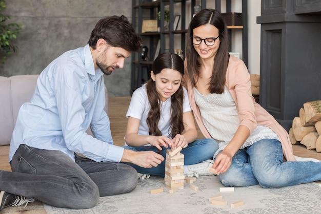 Temps de jeu en famille