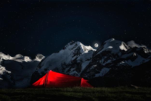 Tente pour grimpeurs aventureux