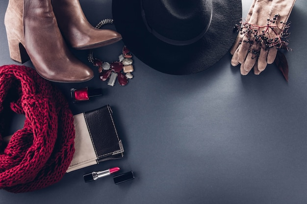 Tenue féminine d'automne. ensemble de vêtements, chaussures et accessoires. copie