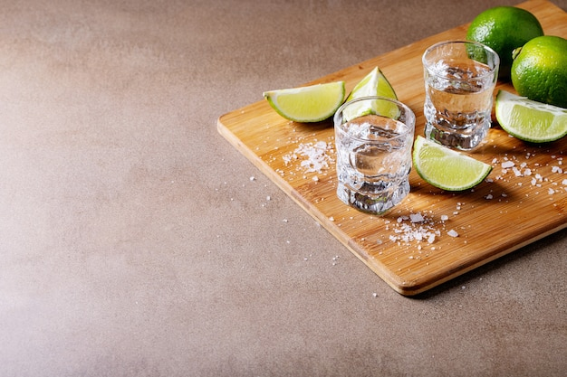 Tequila au sel et citrons verts