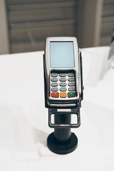 Terminal de paiement par carte de crédit dans un magasin