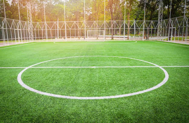 Terrain de football - terrain de futsal vert herbe sportive en plein air