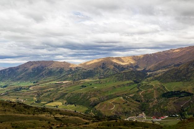 Terrain vallonné sur l'île du sud nouvelle-zélande