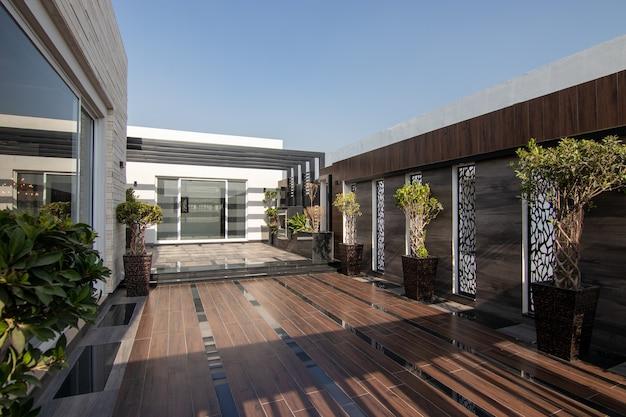 Terrasse de maison moderne et de luxe