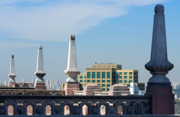 Terrasse sur le toit du bâtiment martinelli, le premier gratte-ciel d'amérique latine