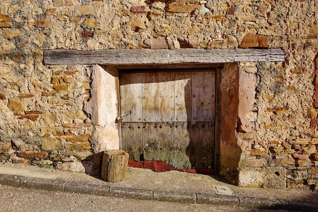Terriente village dans la sierra de albarracin teruel