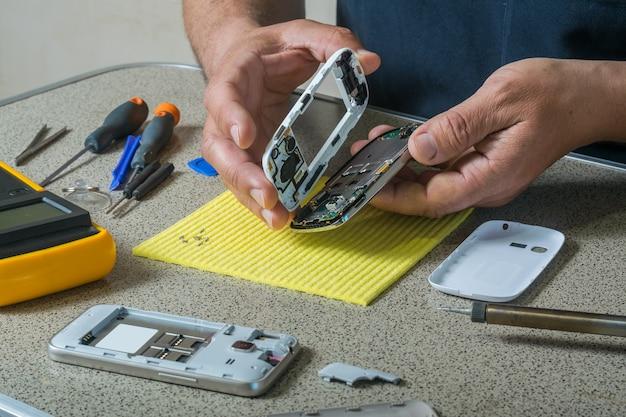 Test et réparation de téléphone portable