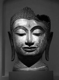 Tête de bouddha en thaïlande