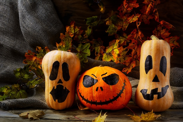 Têtes de citrouille d'halloween