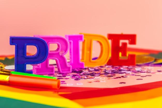 Texte fierté, avec drapeau lgbt rainbow