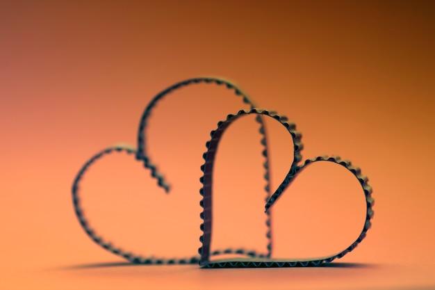 Texte en forme de coeur heureux rétro