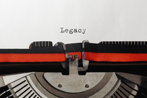 Texte hérité tapé sur machine à écrire rétro