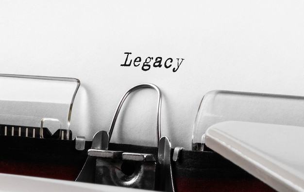 Texte hérité tapé sur machine à écrire.
