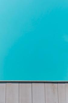 Texture de bois sur fond bleu