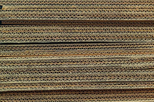 Texture de couches de carton papier brun fond.