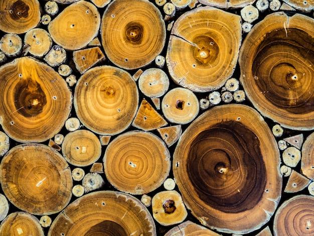 Texture du bois sans soudure de tronc d'arbre coupé.