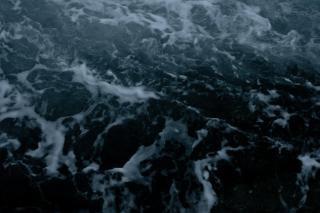 Texture de l'eau brûlante, le résumé