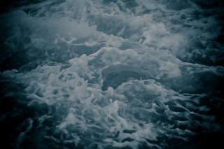 Texture de l'eau brûlante, les vagues, d'arrière-plan